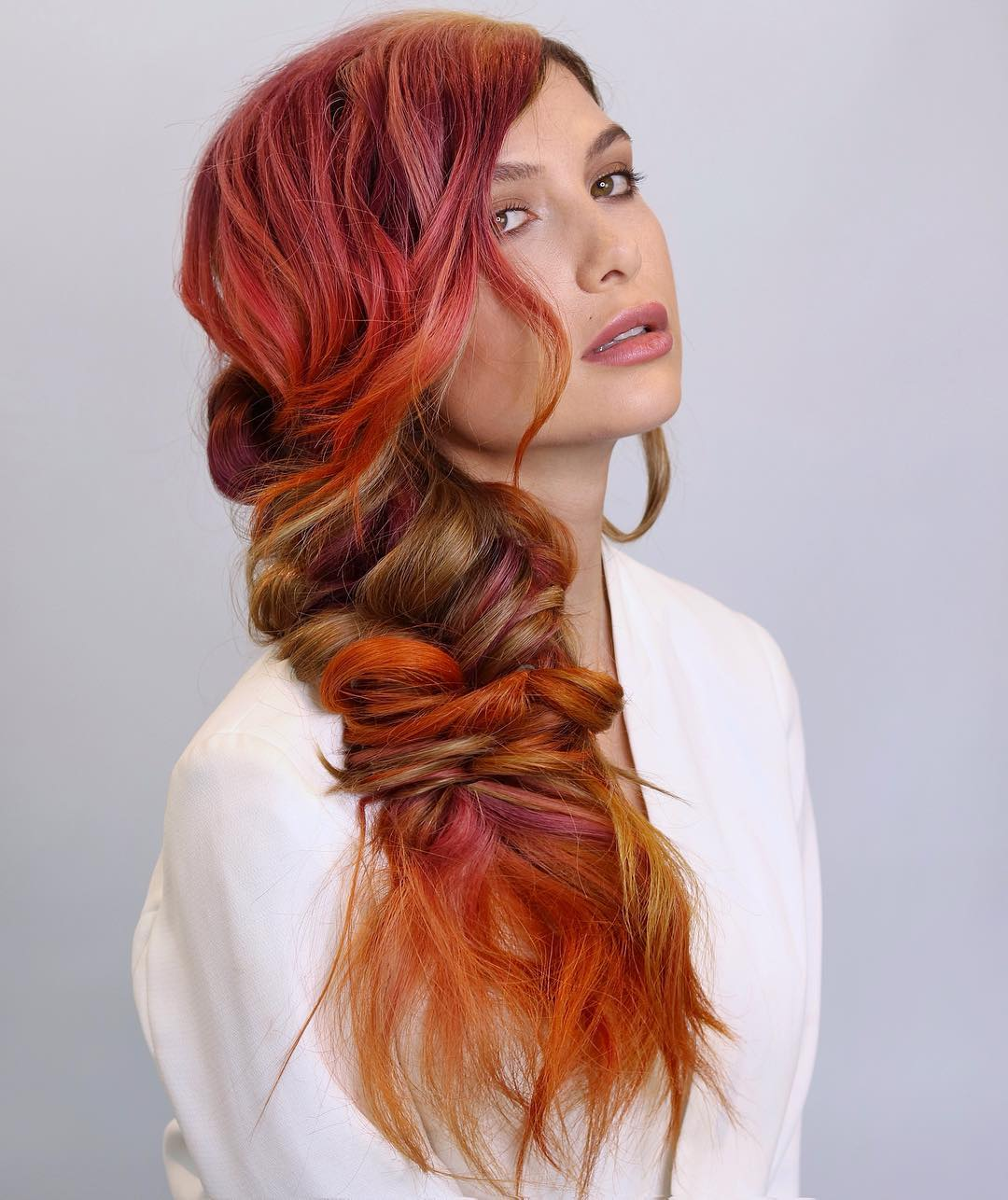 длинные волосы с косой челкой фото 4