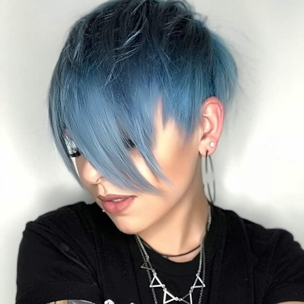 короткие стрижки для густых и прямых волос фото 8
