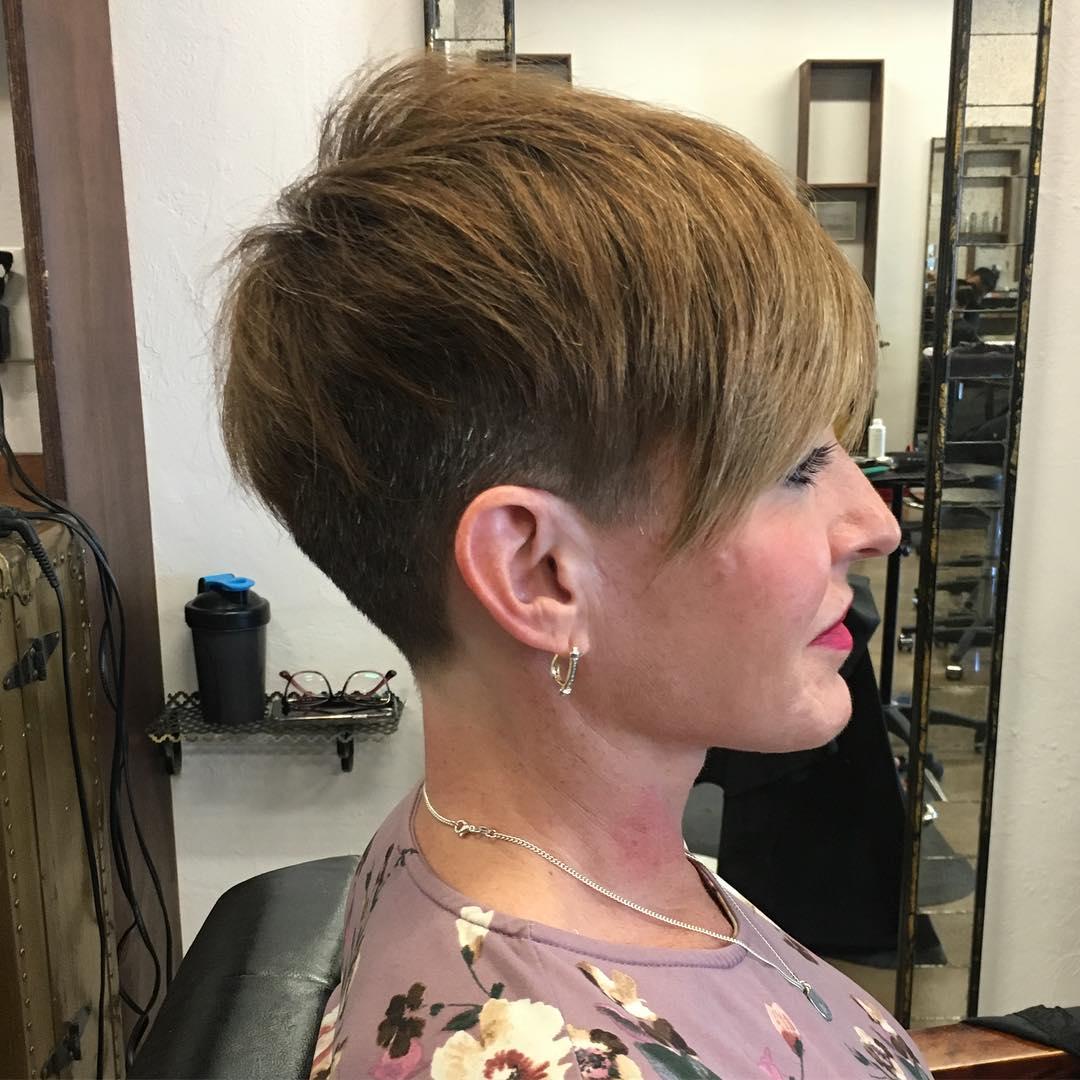 Короткие стрижки для прямых волос фото 14