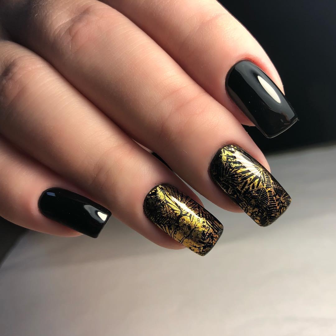 черно-золотой маникюр_17