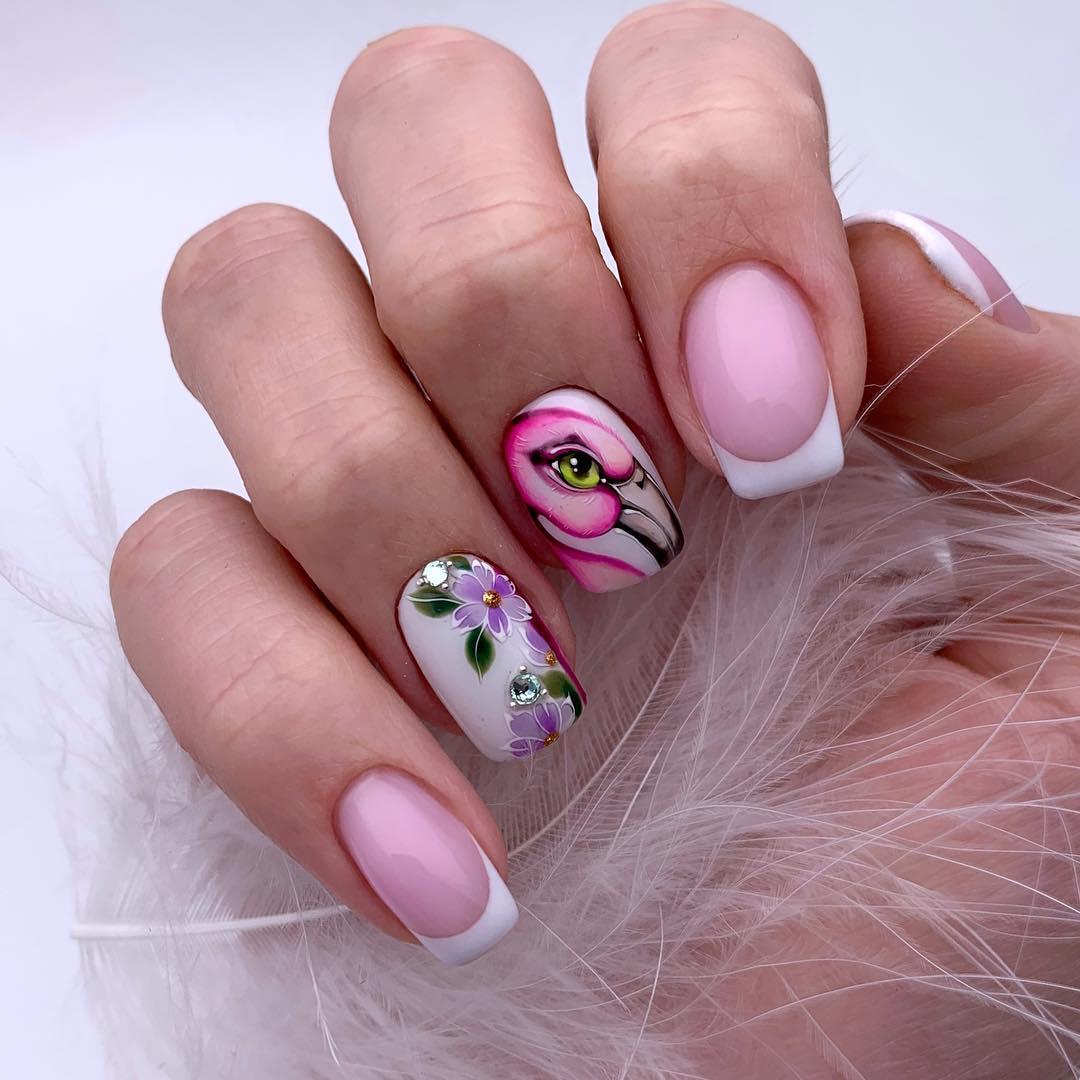 маникюр с фламинго фото_34
