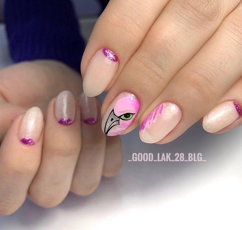 маникюр с фламинго фото_8