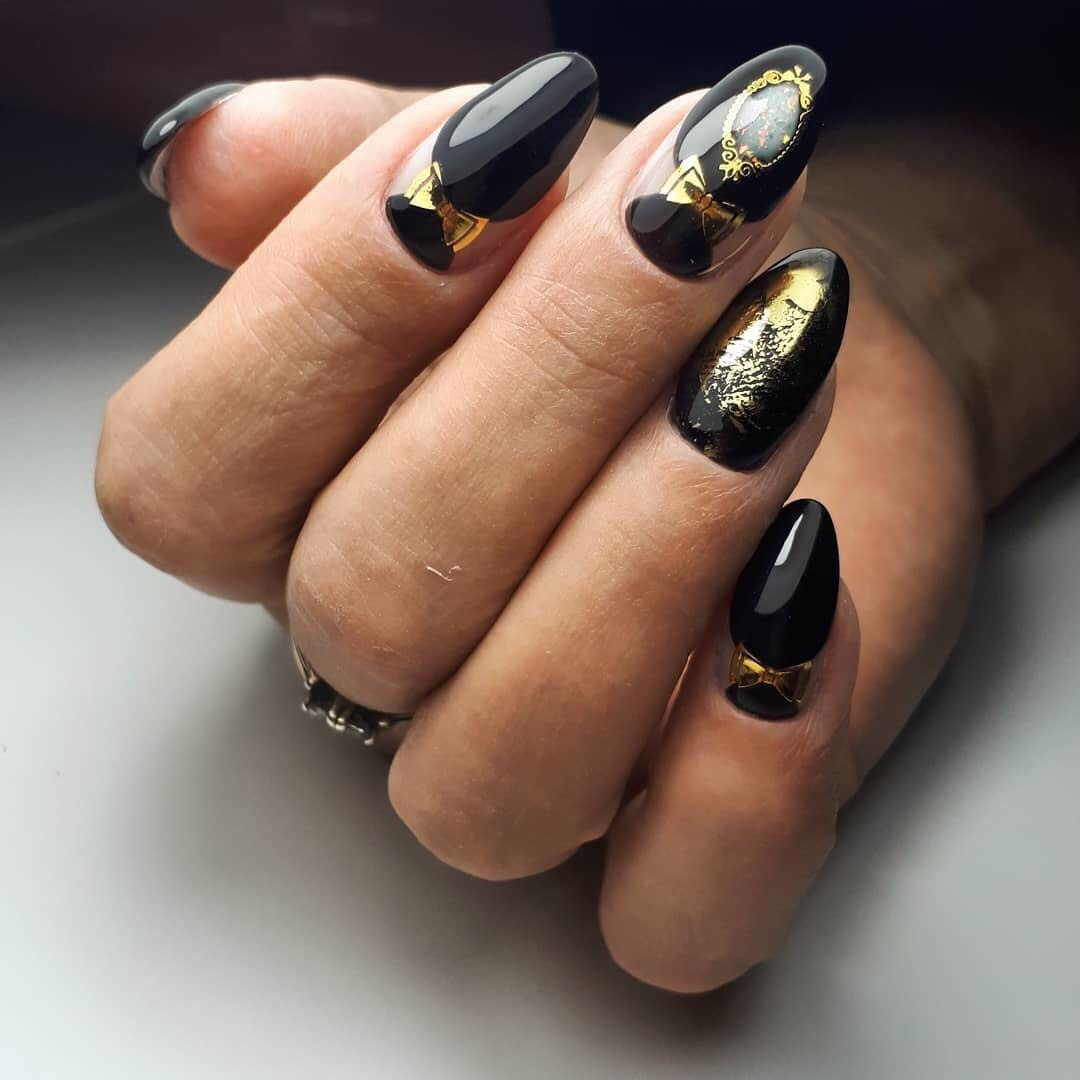 черно-золотой маникюр_10
