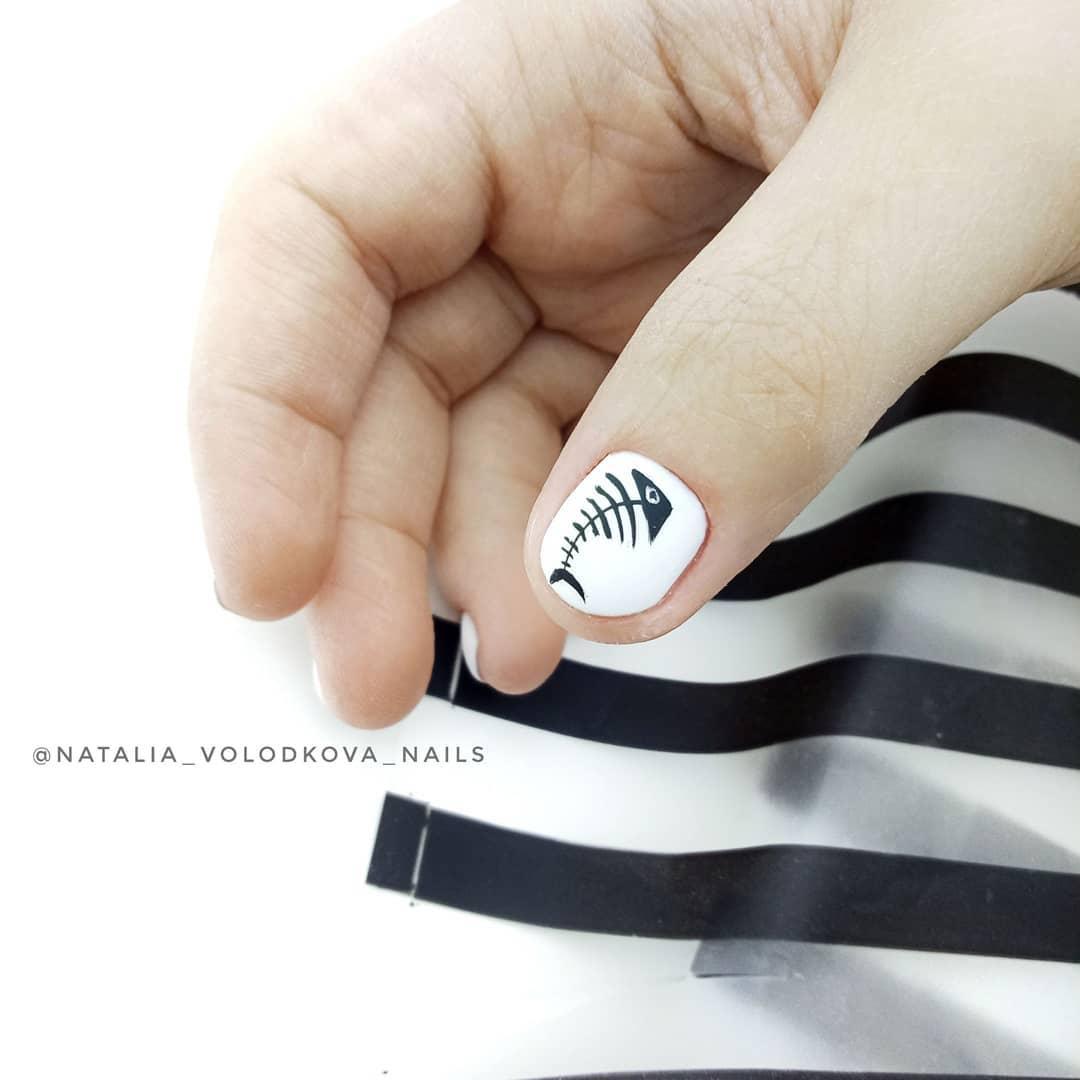 белые короткие ногти 2019_24
