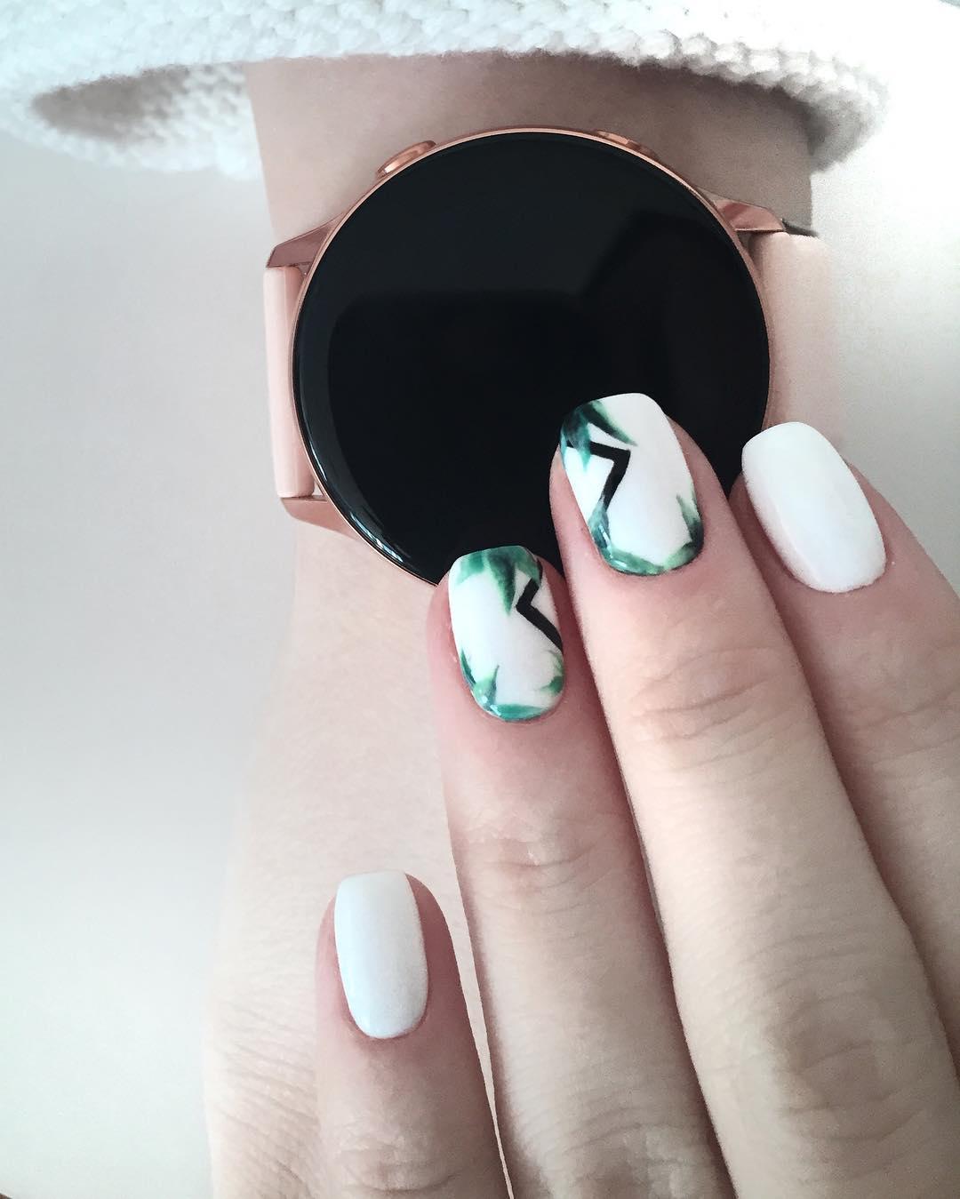 белые короткие ногти 2019_8