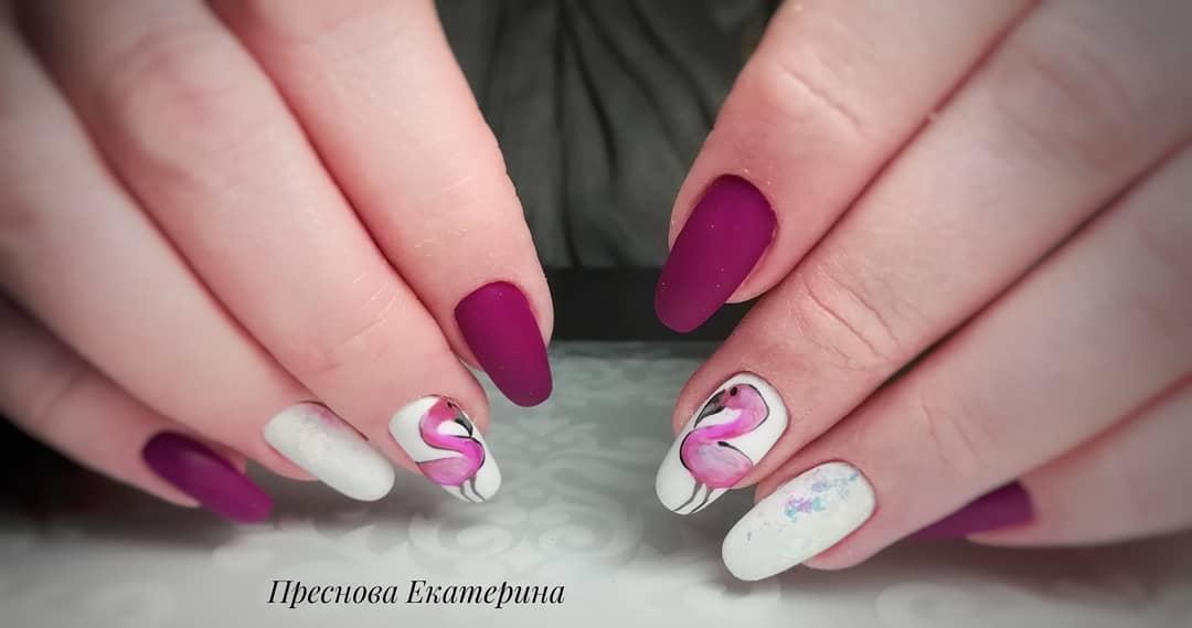 маникюр с фламинго фото_10