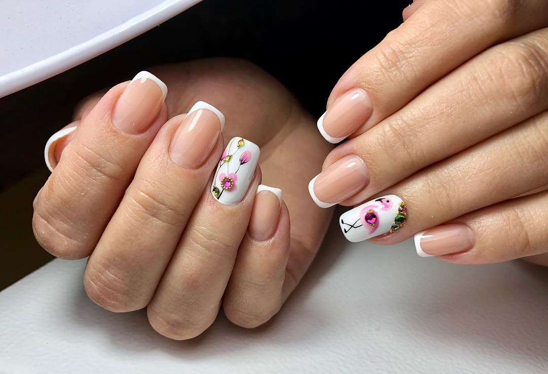 маникюр с фламинго фото_29