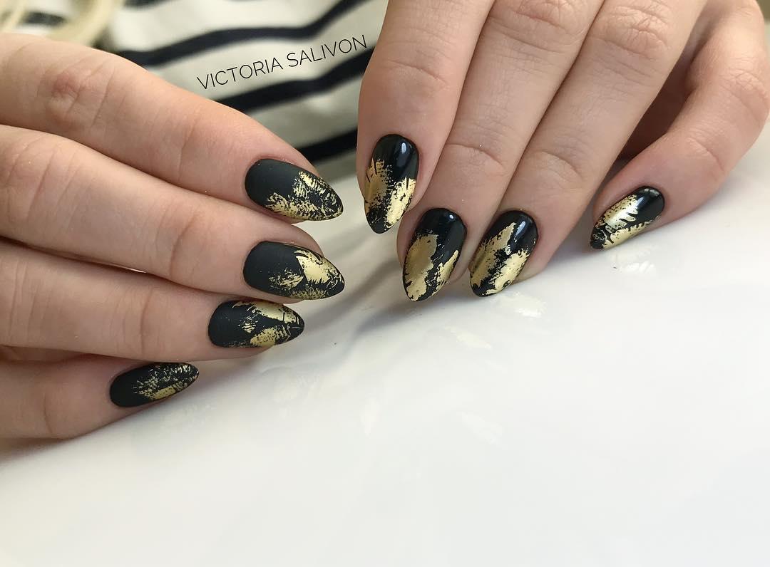 черно-золотой маникюр_13