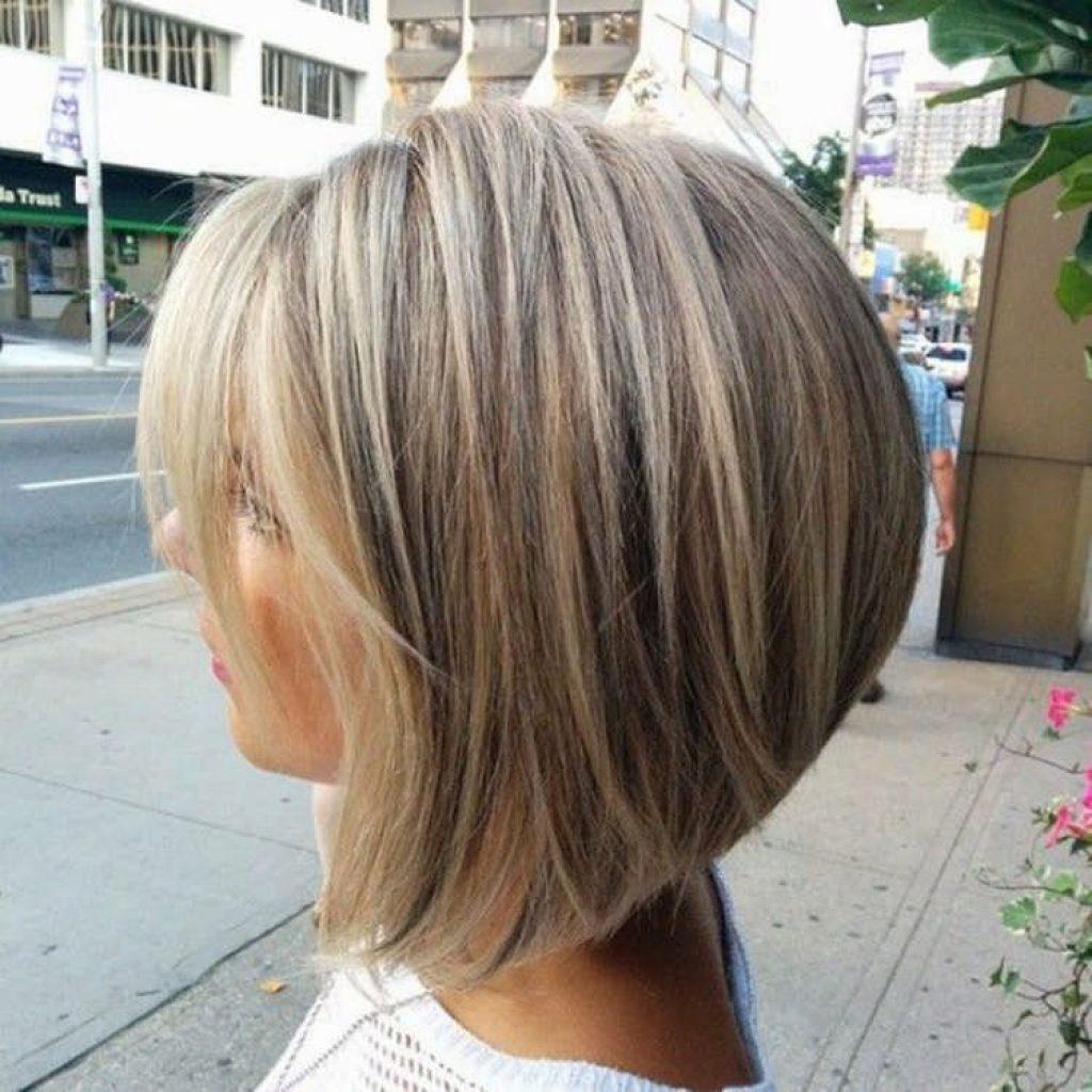 короткие стрижки для густых и прямых волос фото 2