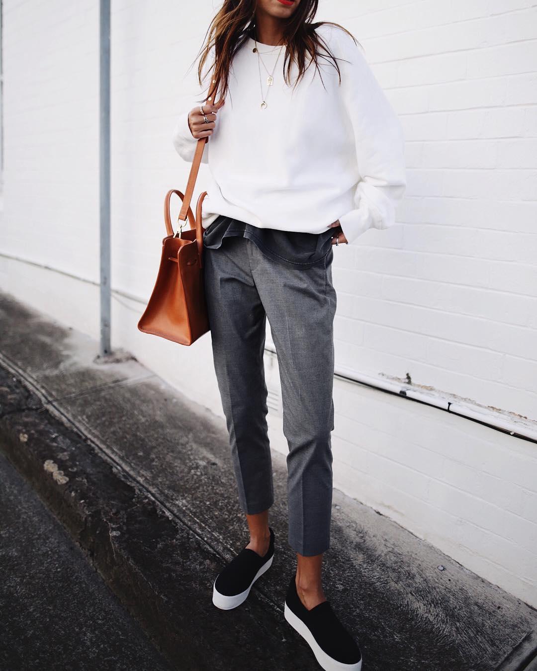 серые брюки фото 4