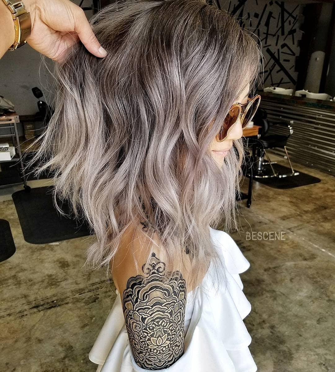 причёски для волос средней длины фото 12