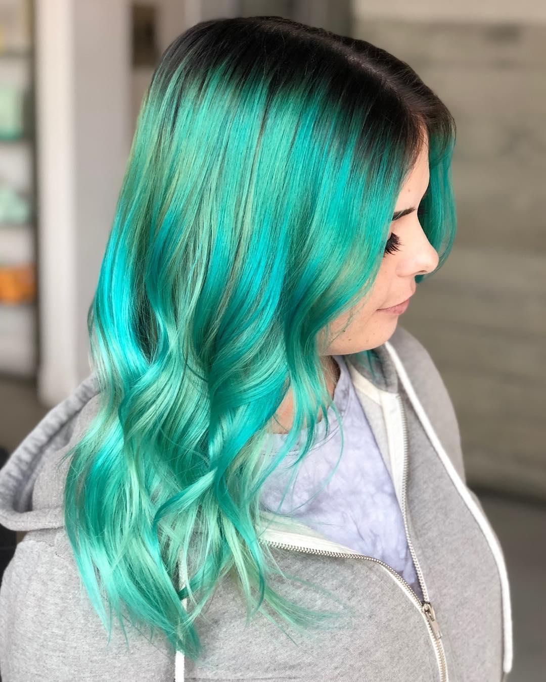 Бирюзовый цвет волос фото 5