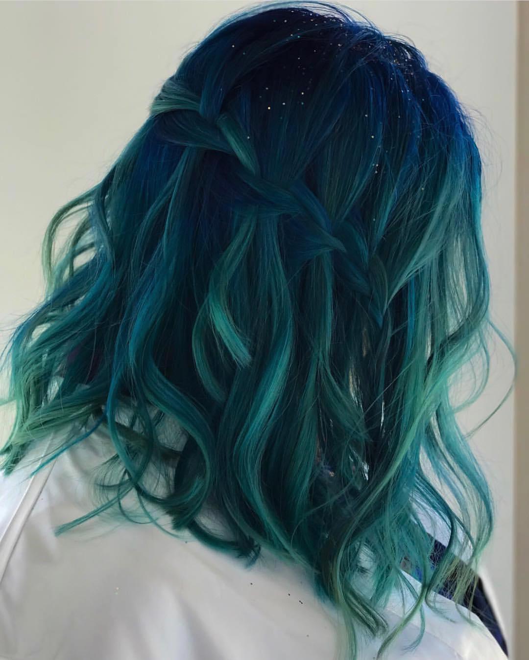 Бирюзовый цвет волос фото 11
