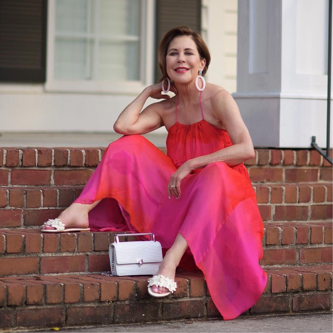 Сарафан для женщин постарше: 9 красивых и удобных фасонов