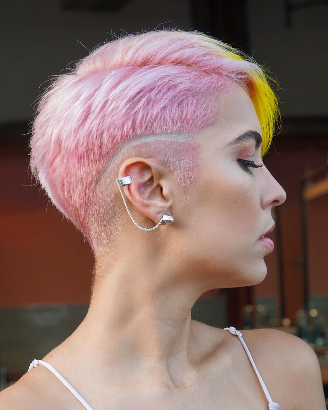 Розовый цвет волос фото 11