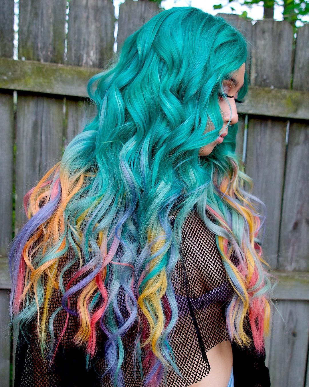 Бирюзовый цвет волос фото 13