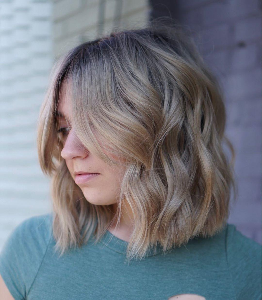 короткие стрижки для густых волос фото 5