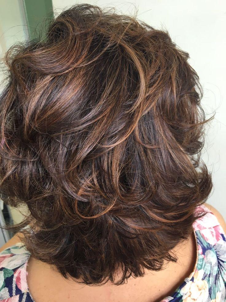 Стрижки на средние волосы после 40 фото 7