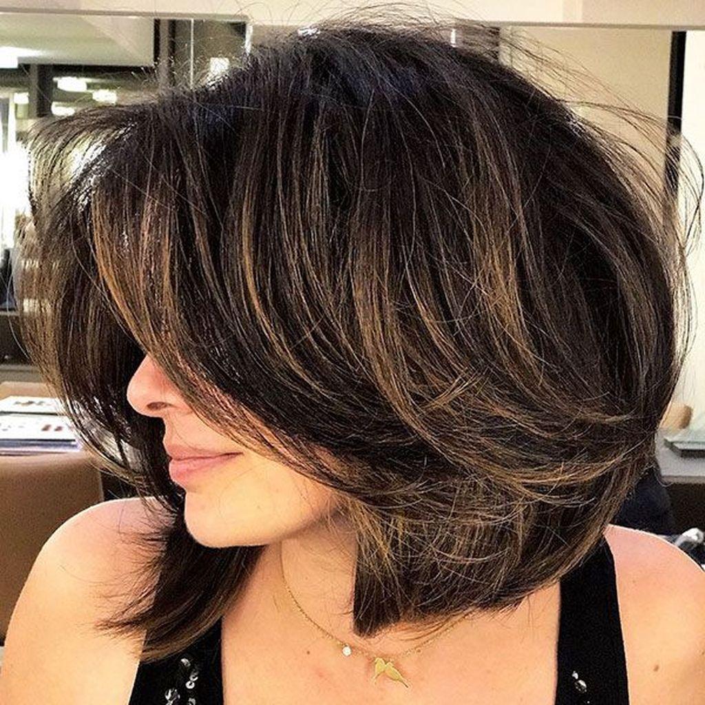 короткие стрижки для густых волос фото 1