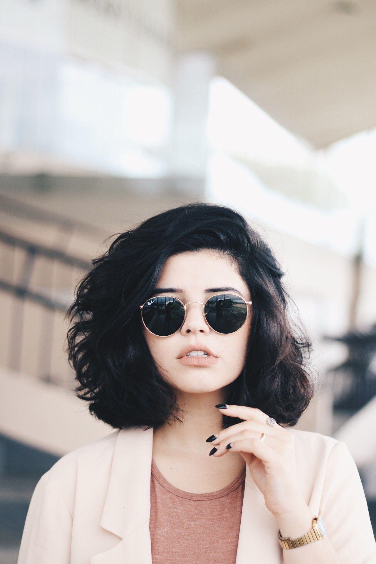 Укладка на короткие волосы с объемом фото 9