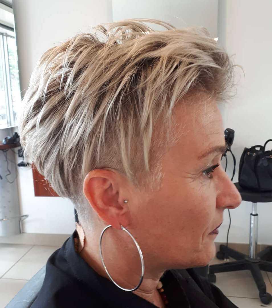 короткие причёски для женщин старше 40 фото 5