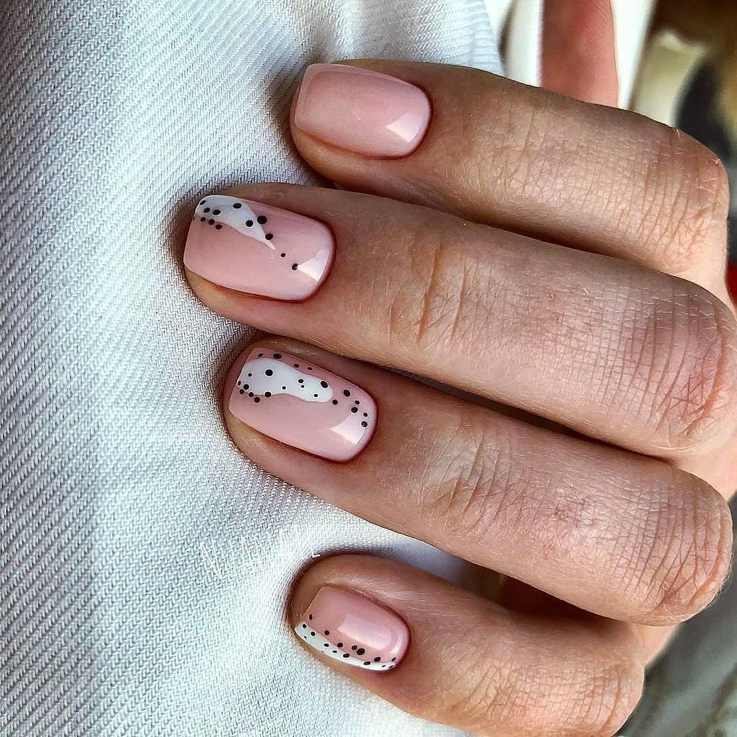 нежный маникюр на короткие ногти 2019 фото_7