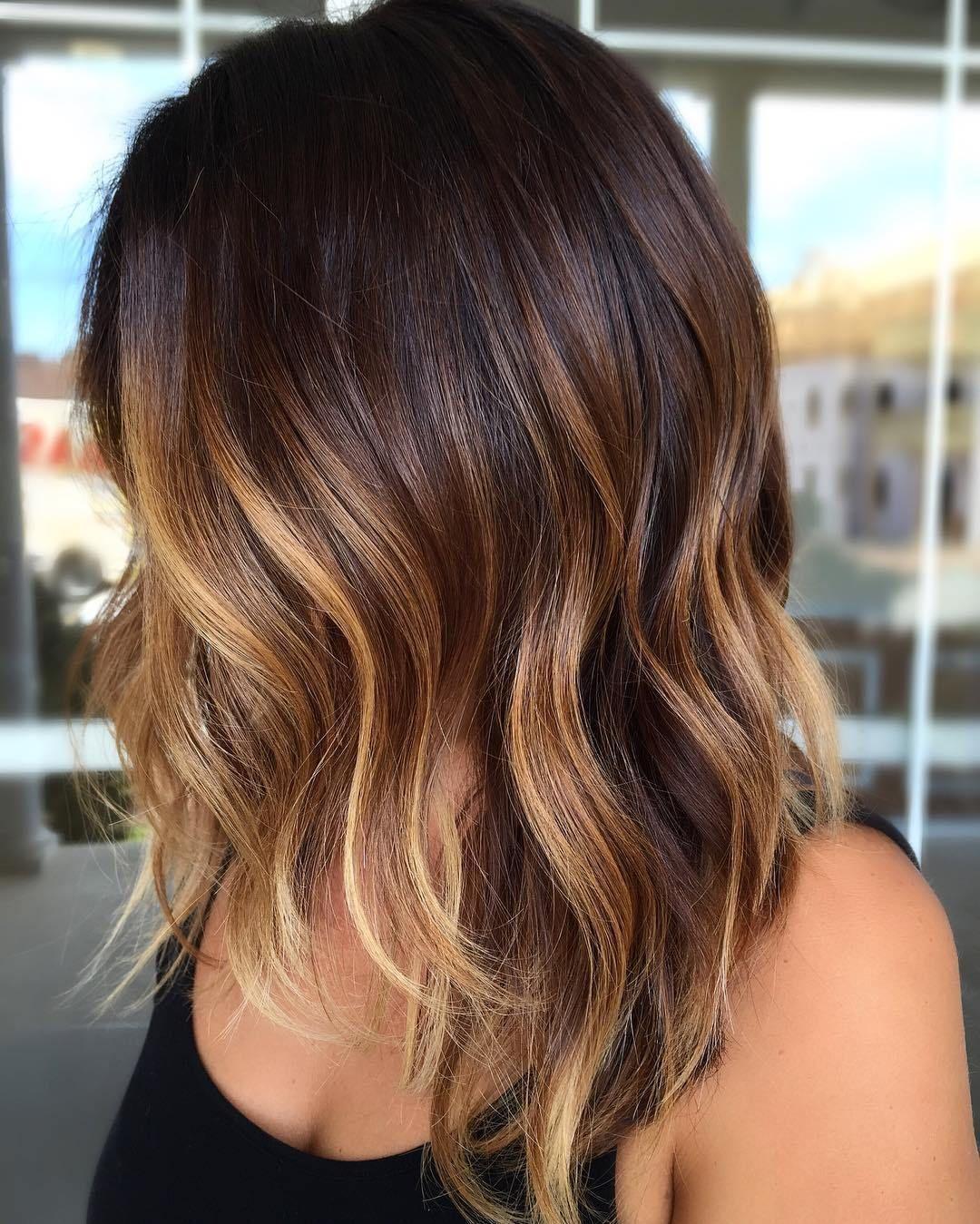 Тёмно-каштановый цвет волос фото 6