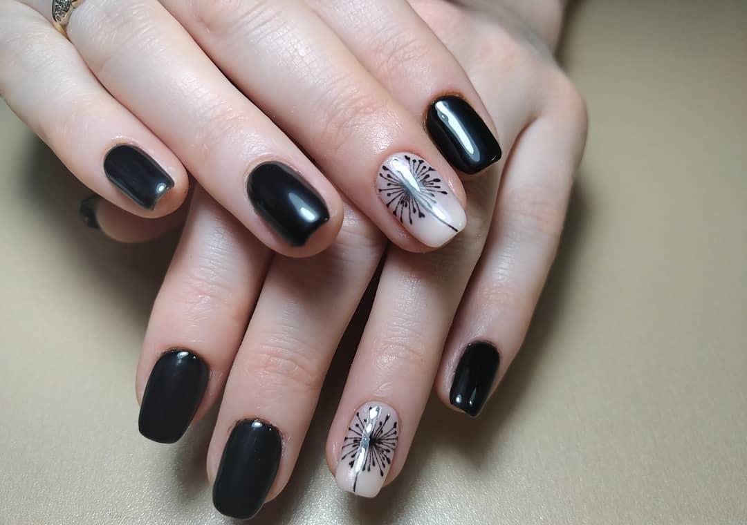 короткие темные ногти_33