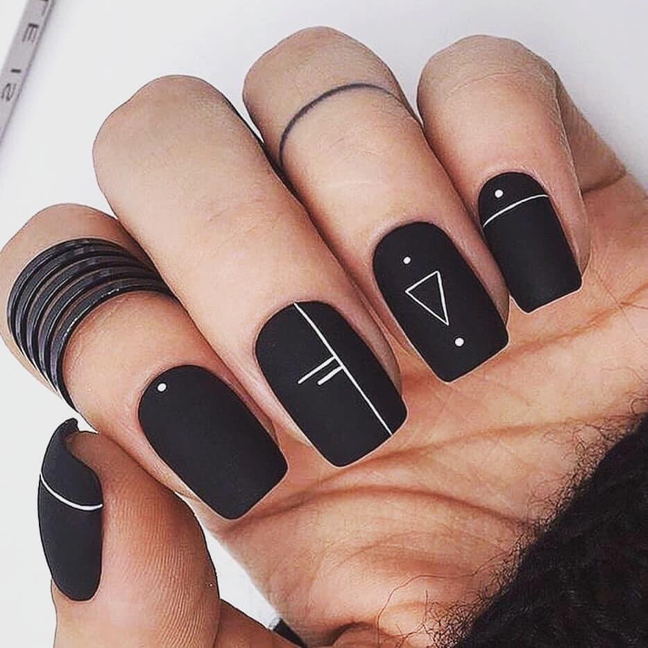 короткие темные ногти_20