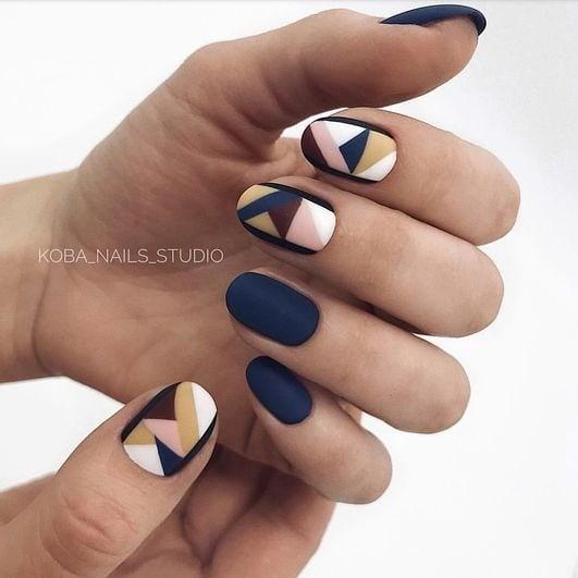 короткие темные ногти_19
