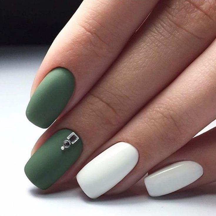 короткие темные ногти_17