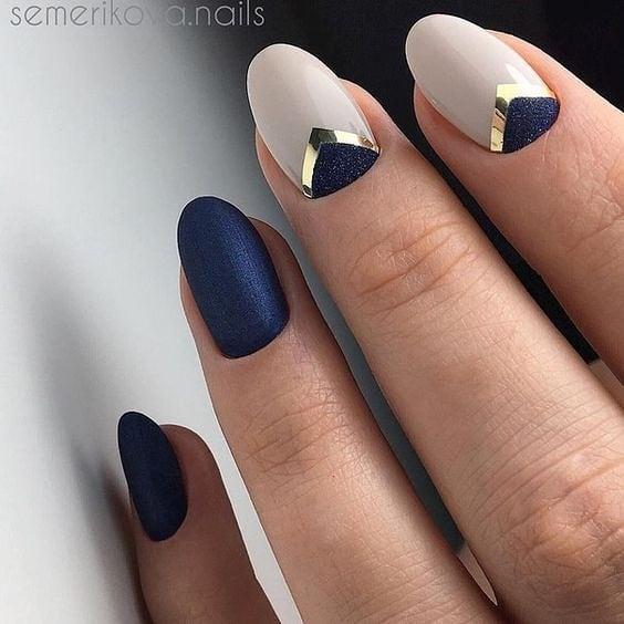 короткие темные ногти_14
