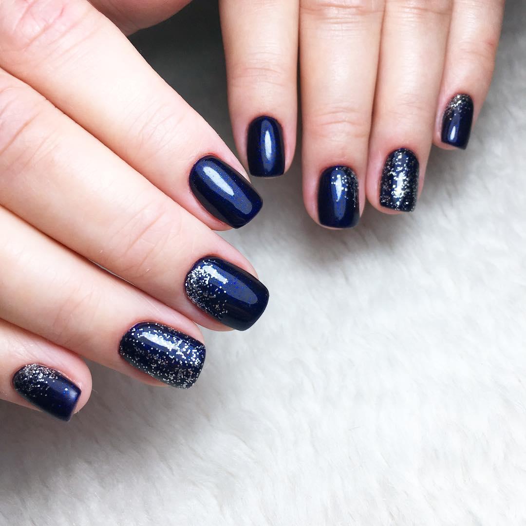 короткие темные ногти_29