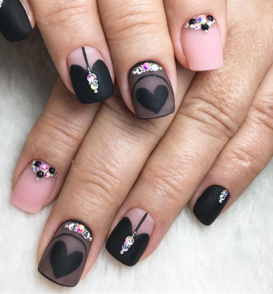 короткие темные ногти_26