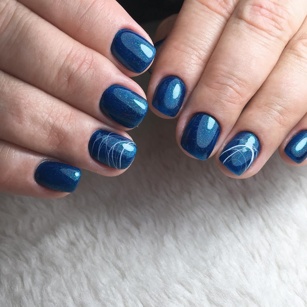короткие темные ногти_25