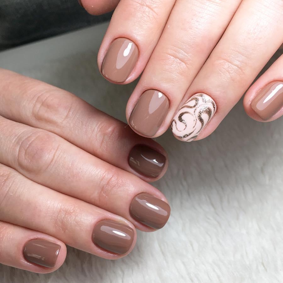 короткие темные ногти_24