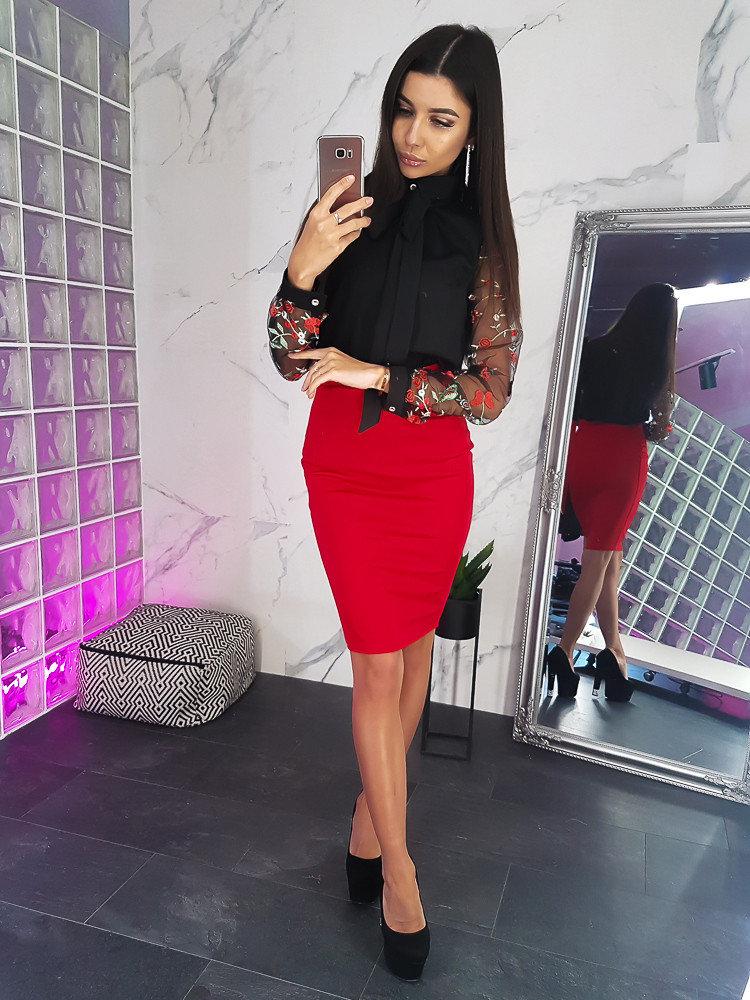 Красная юбка с блузой фото 7