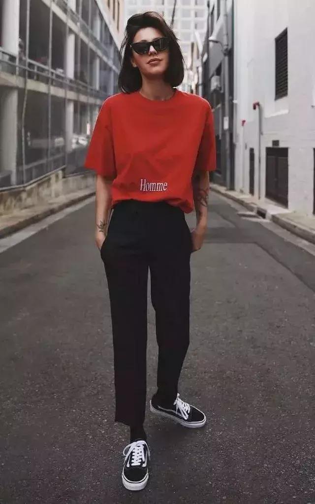 красная футболка фото 5