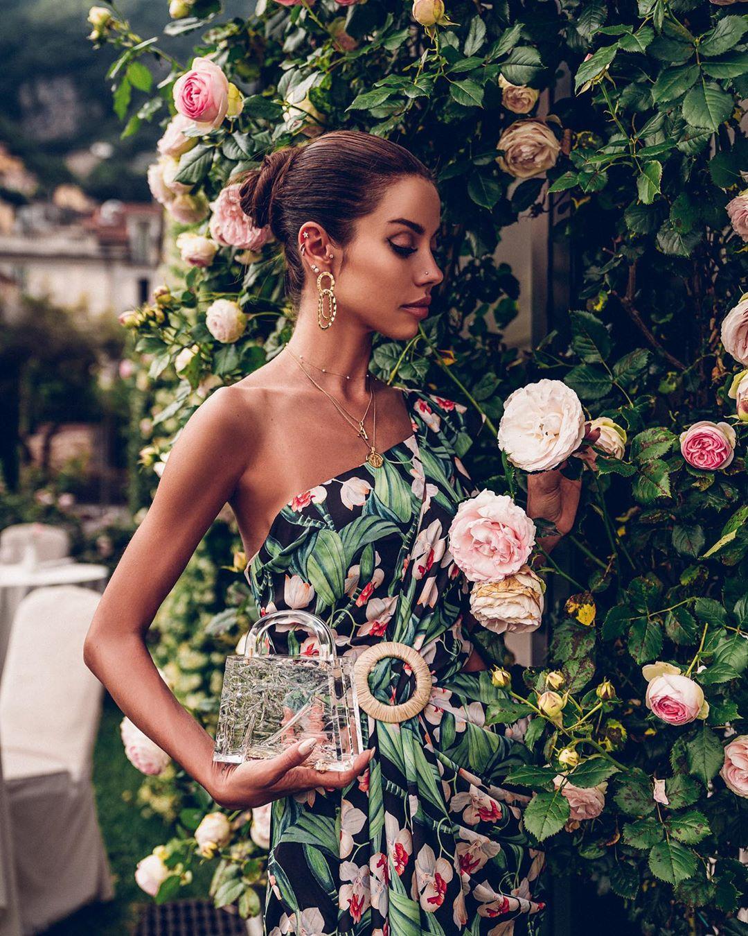 модный летние образы с цветочным принтом фото 4