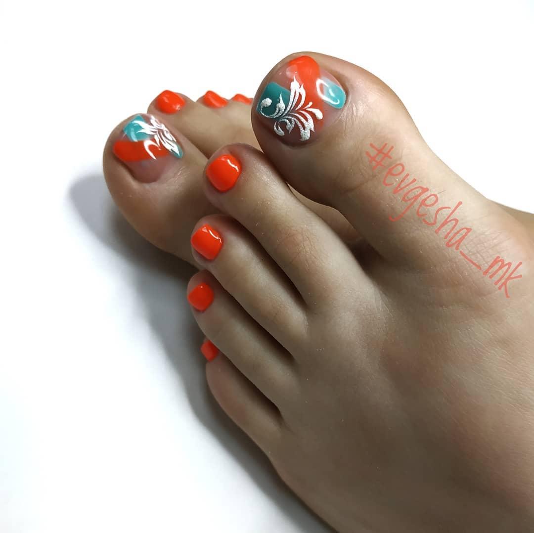 оранжевый педикюр_23