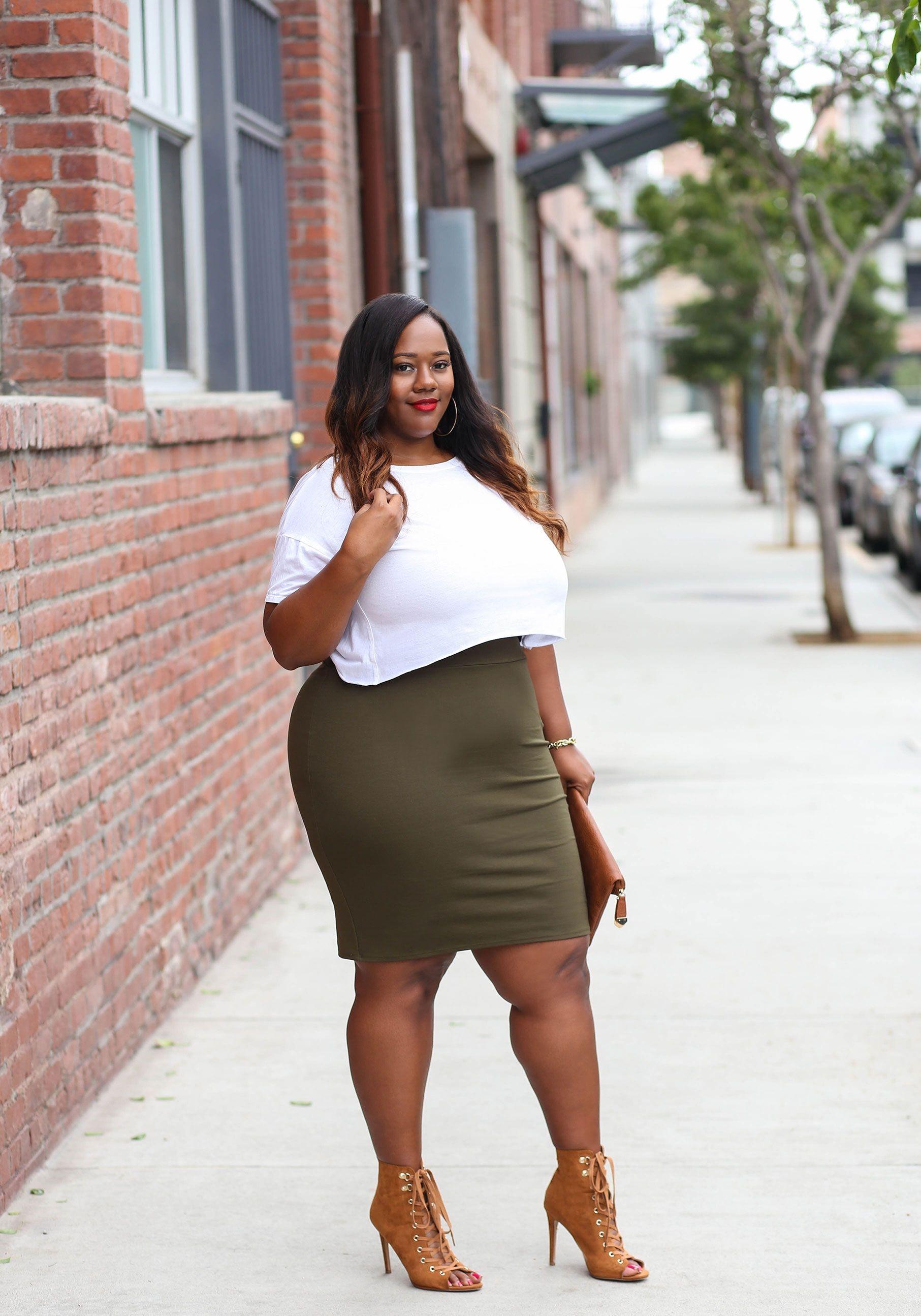 с чем носить юбку карандаш летом полным женщинам фото 12