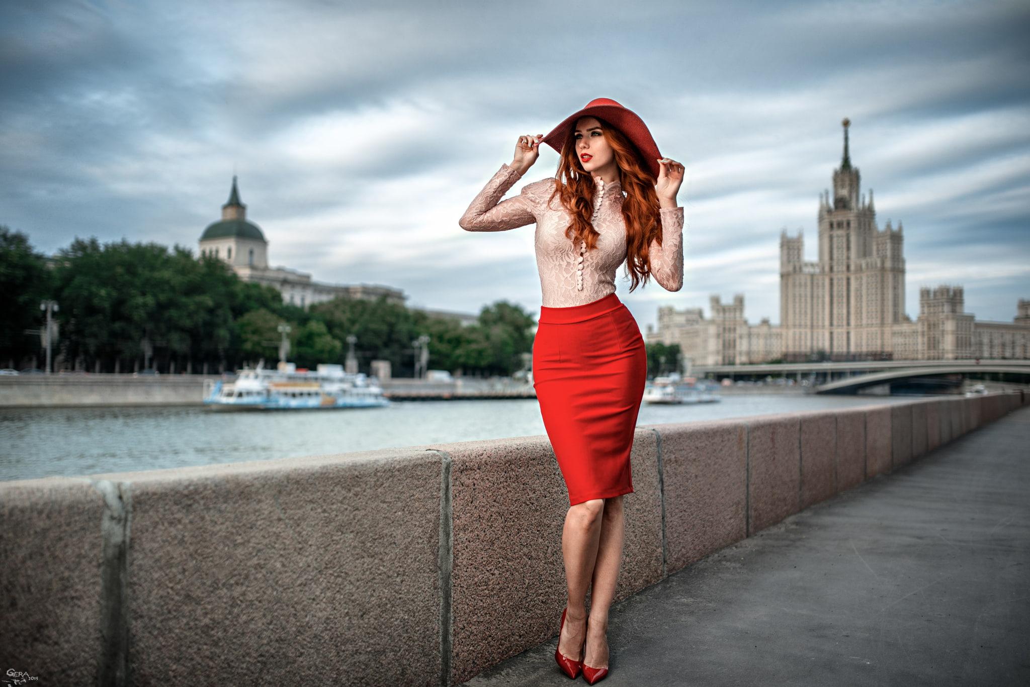 Красная юбка с блузой фото 14