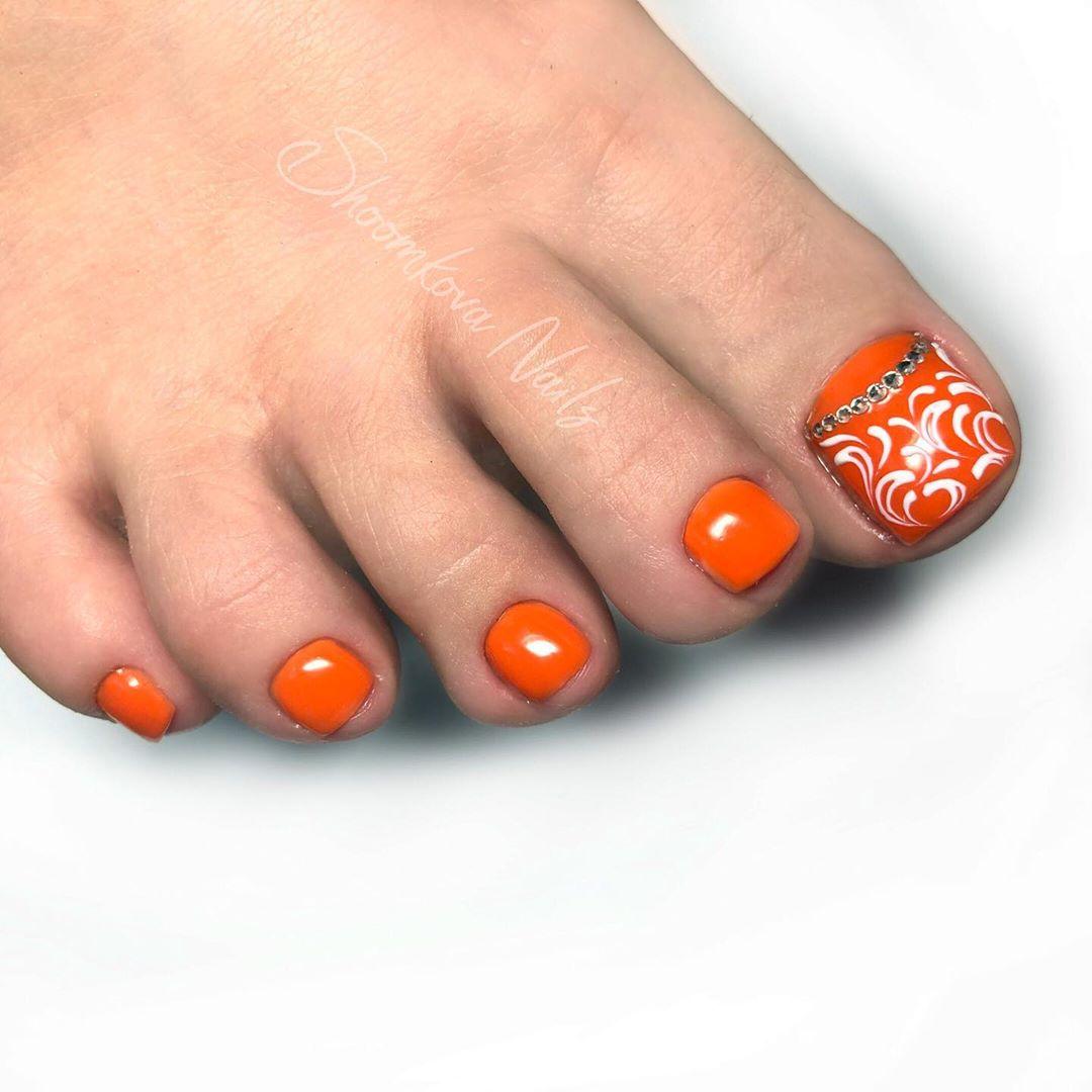 оранжевый педикюр_27