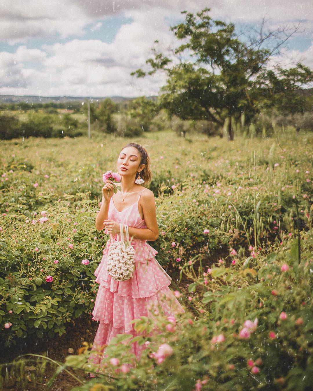 модный летние образы в розовом цвете фото 4