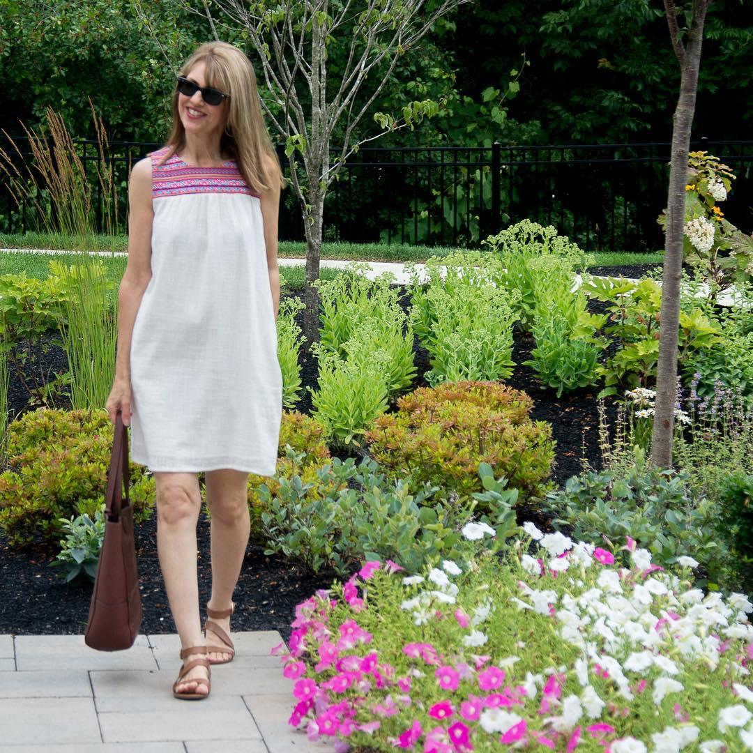 с чем носить сарафан летом женщинам после 40-50 лет фото 6