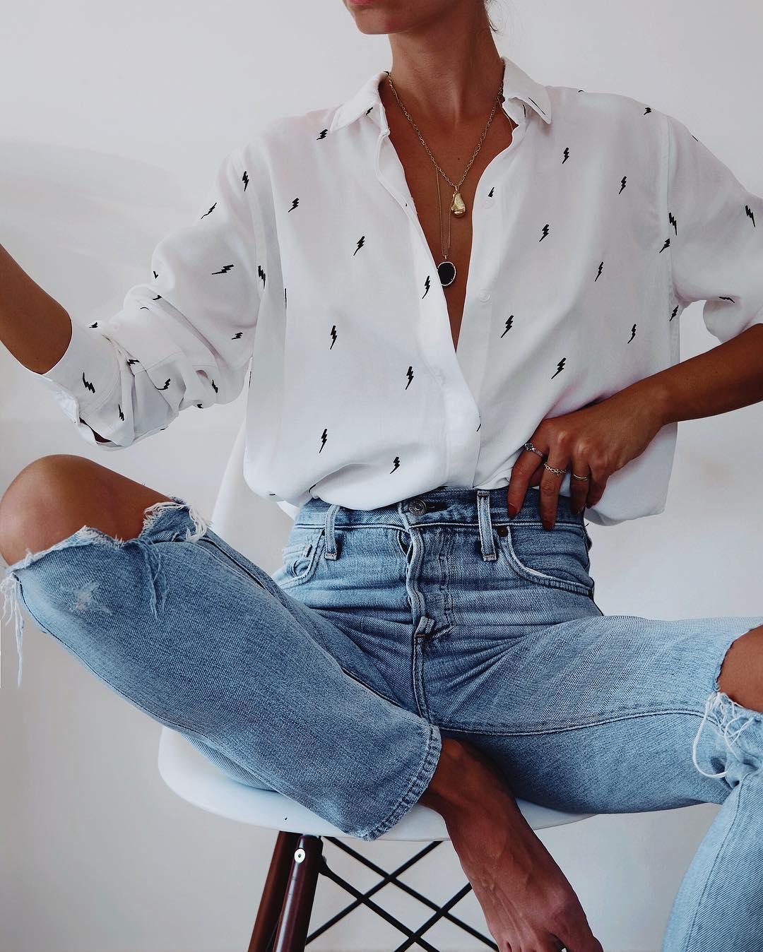 белая рубашка с джинсами фото 7