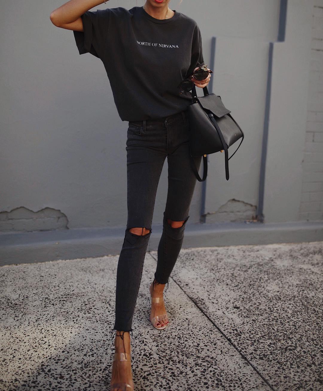 футболка заправленная в джинсы фото 5