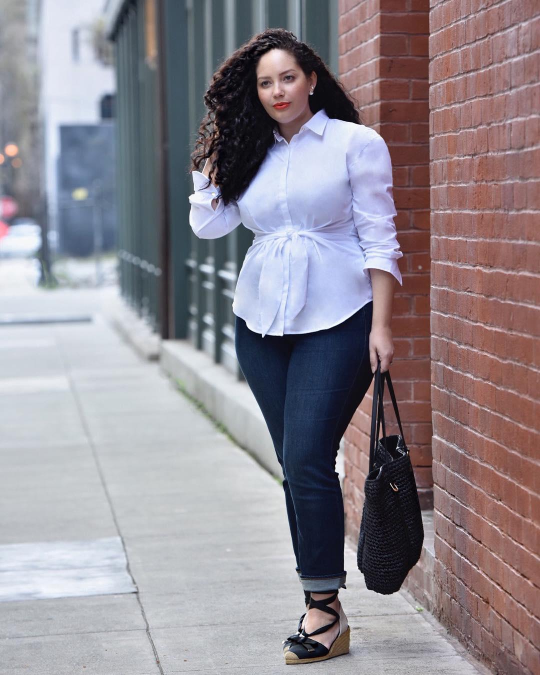 с чем носить джинсы летом полным женщинам фото 11