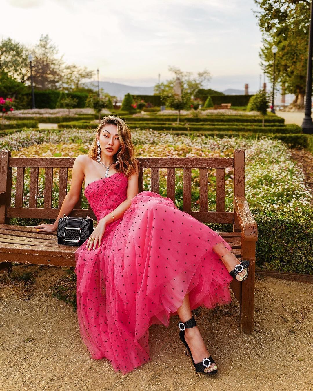 модный летние образы в розовом цвете фото 9