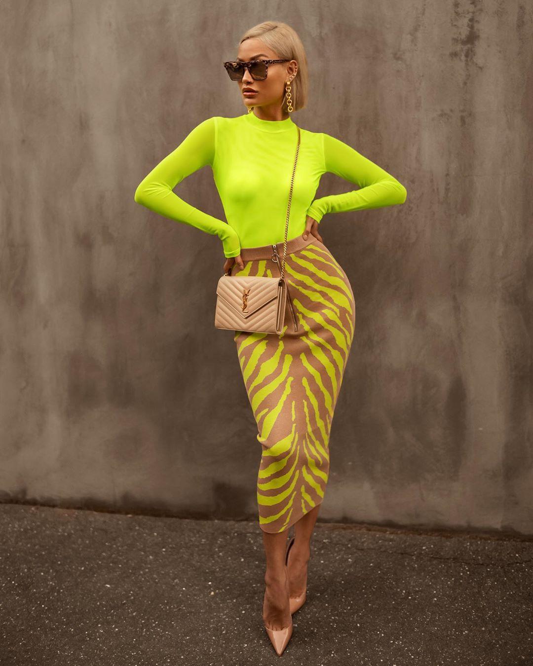 модный летние образы в желтом цвете фото 16